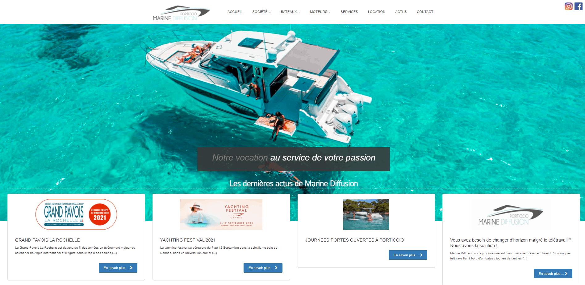 Site internet Paris Lyon Besançon- référencement naturel SEO, bateau sur la mer bleue lagon